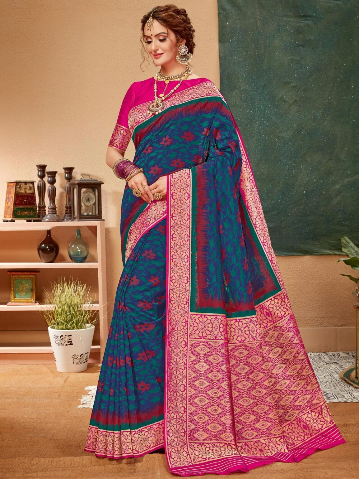 Navy Blue Handloom Silk Saree with Contrast Woven Border and Pallu